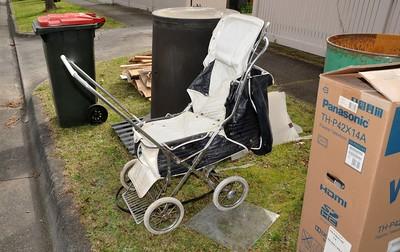 Vintage Steelcraft 'Consul' pram stroller 1967-69 model
