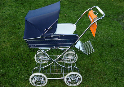 Vintage steelcraft windsor pram 13