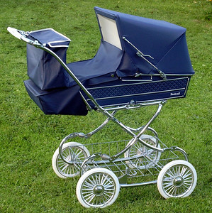 Vintage steelcraft windsor pram 01
