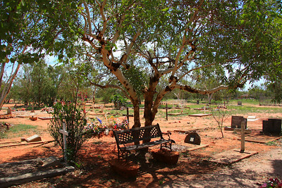 Part of the Broome Cemetery - a lot of aboriginals buried in this section - some very colourfully decorated with flowers.