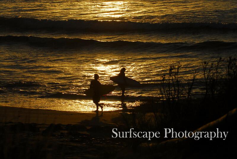 Sunset Surfers, WA