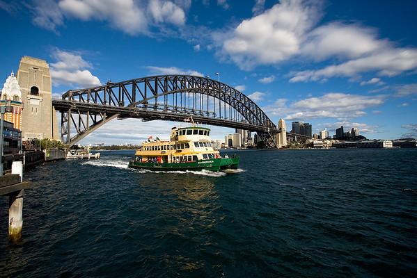 Harbour Bridge mit Fähre