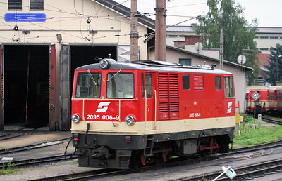 2095 006 at St Polten Alpenbf on 6th August 2006