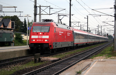 DB, 101 121 at Wels Hbf on 7th August 2006
