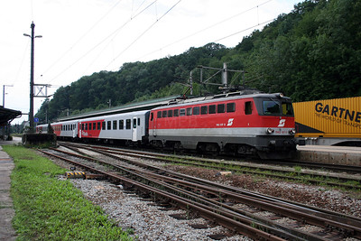 1142 617 at Lambach on 7th August 2006