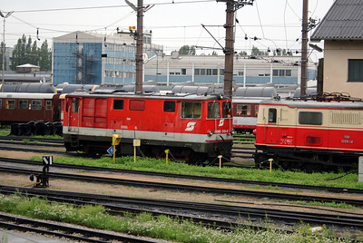 2095 013 at St Polten Alpenbf on 6th August 2006
