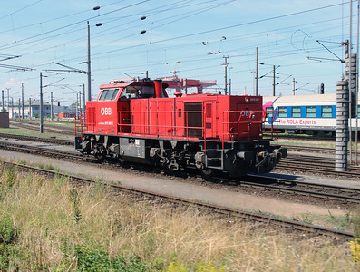 2070 067 (92 81 2070 067-1 A-OBB) at Wels Yard on 6th August 2015