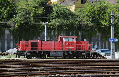 2070 008 (92 81 2070 008-5 A-OBB) at Linz HBF on 6th August 2015 (5)
