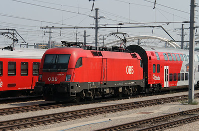 1116 261 (91 81 1116 261-9 A-OBB) at Vienna Hbf Motor rail siding on 12th August 2015 (1)