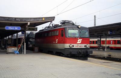 1142 662 at Villach Hbf 30th March 2004