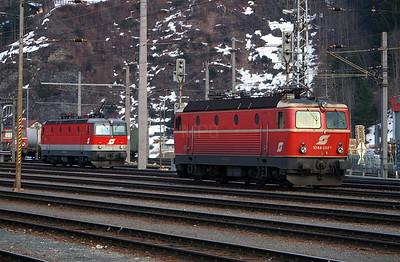 1044 093 at Schwarzach St Veit 27th March 2004