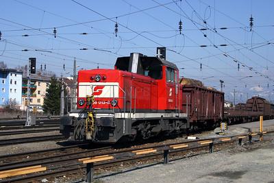 2068 013 at Zeltweg 29th March 2004 (1)