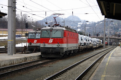 1044 080 at Schwarzach St Veit 27th March 2004