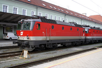 1044 116 at Villach Hbf 30th March 2004