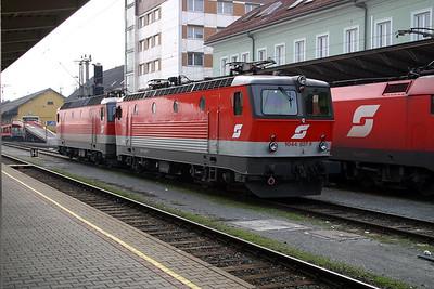 1044 027 at Villach Hbf 30th March 2004