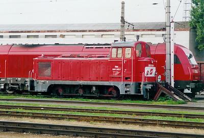2067 015 at Graz HBF on 3rd October 2003