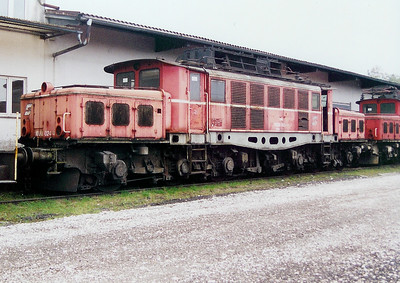1020 024 at Linz (near old depot) on 10th October 2003