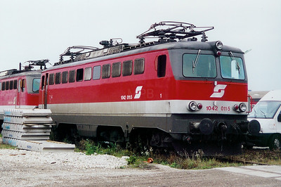 1042 011 at Linz (near old depot) on 10th October 2003
