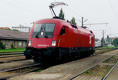 1016 047 at Graz Ost on 1st October 2003