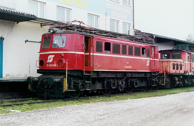 1040 014 at Linz (near old depot) on 10th October 2003
