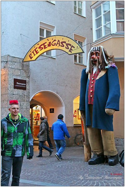 1 of Innsbruck's Giants  @ Riesengasse, Giant street .. too huge for a mini-me