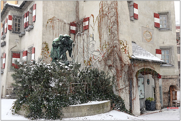 The Ottoburg Statue in the snowfall