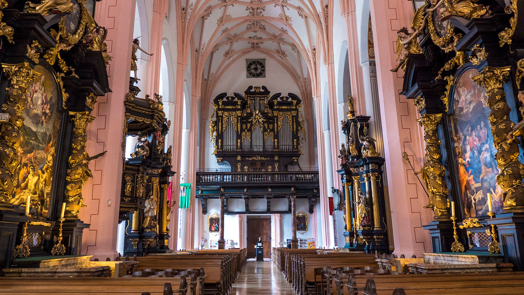 Day trip from Salzburg - Mondsee Cathedral (Basilika St Michael) from the Sound of Music