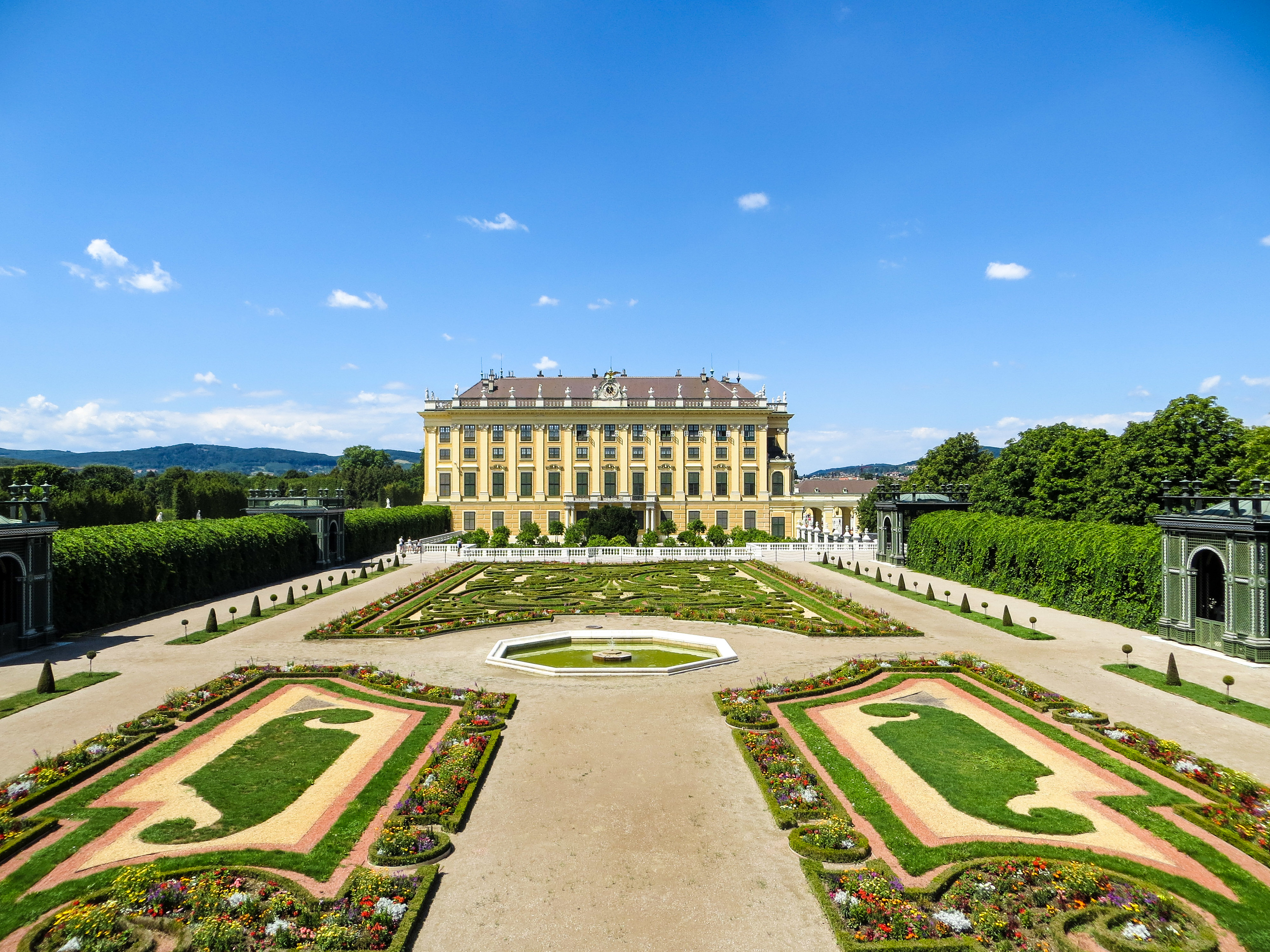 travelling alone in vienna? go to palaces