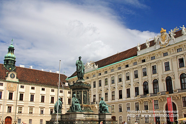 Hofburg courtyard square