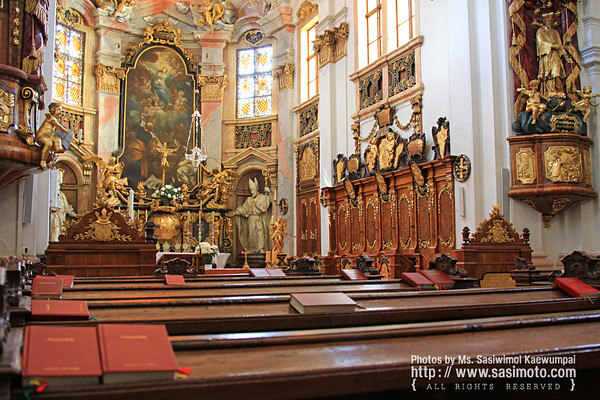 A beautiful Church inside Durnstein Abbey (Stift Durnstein)