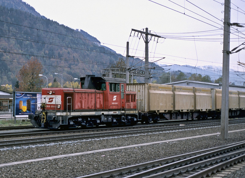 OBB 2068.056 shunts spoil wagons from the widening works on the line between Worgl and Hall in Tirol at Jenbach on 27 October 2008