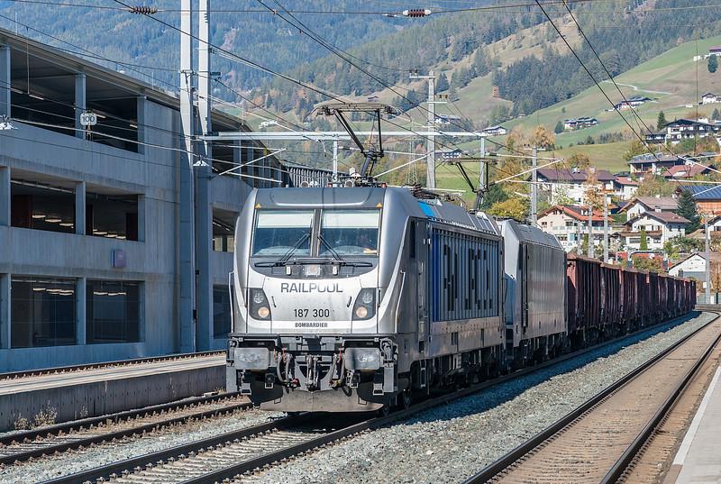 RailPool 187-300 + Lokomotion 185-663 Matrei 22 October 2018