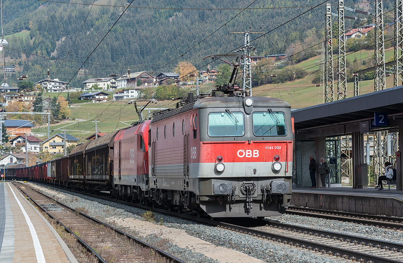 OBB 1144-032 + 1116-087 Matrei 23 October 2018