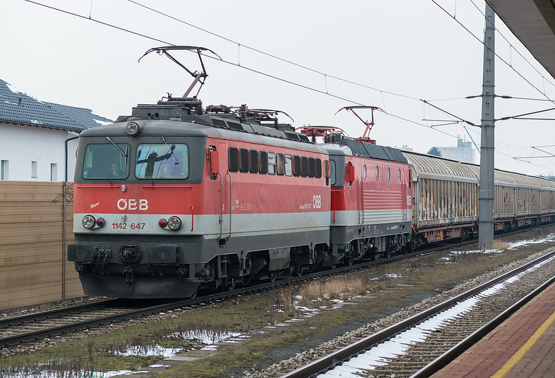 OBB 1142-647 + 1144-270 Marchtrenk  21 March 2018