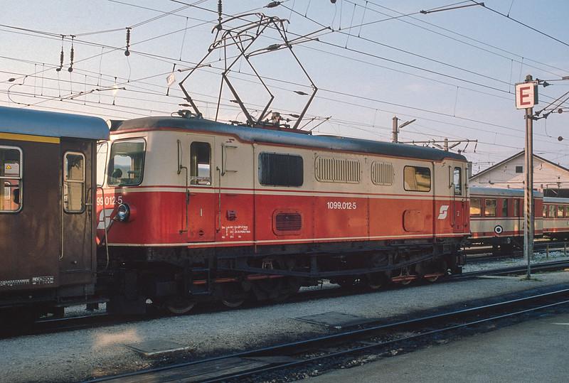 OBB 1099.012 St. Polten Alpenbahnhof  22 May 1989