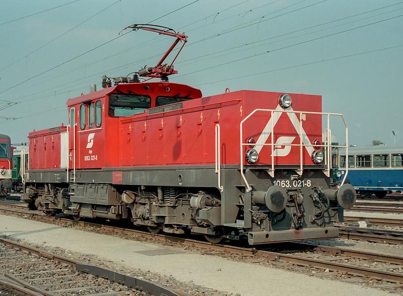 OBB 1063-021  'Austria 150' Wien Nord