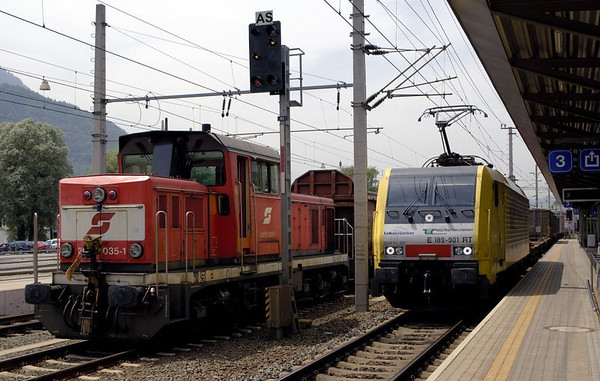 OBB 2068 035-1 &  Siemens Dispolok E189-901 RT, Jenbach, 21 June 2006.