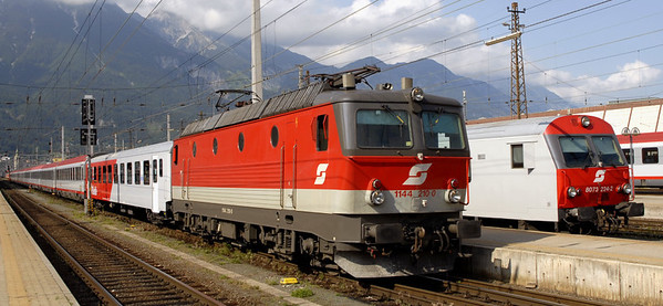 OBB 1144 210, Innsbruck, 24 June 2006 - 1707