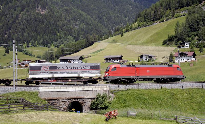 DB 182 013, St Jodok horseshoe, 29 June 2006 - 1344