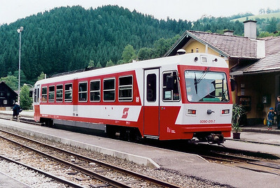 5090 011 at Ybbsitz on 10th July 1999