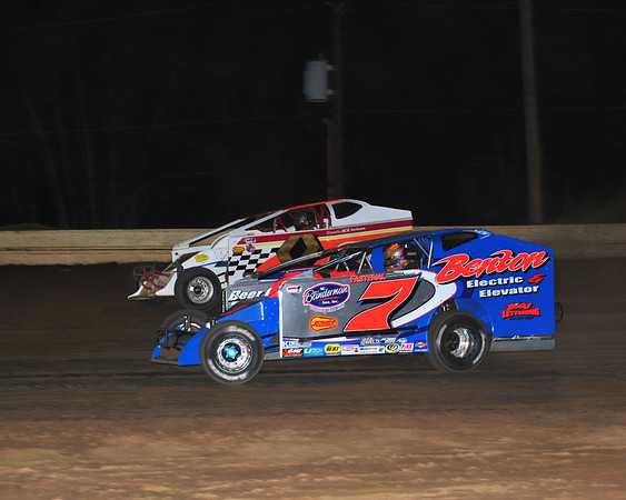 Rick Lauback and Richie Pratt battle for the lead on June 30th at Bridgeport.  This photo appeared in the July 3 edition of AARN.