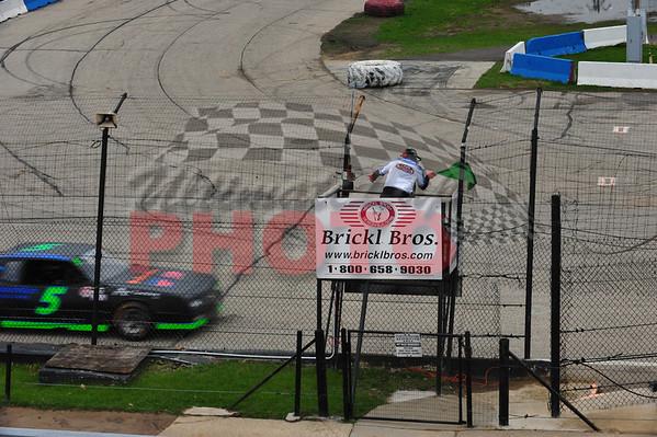 April 30th, 2011, LaCrosse Speedway Practice