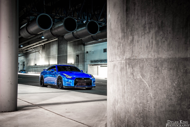 Blue-Chrome Nissan GTR