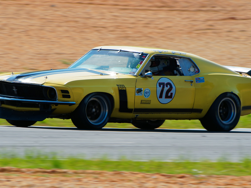 More American Muscle flogging the track