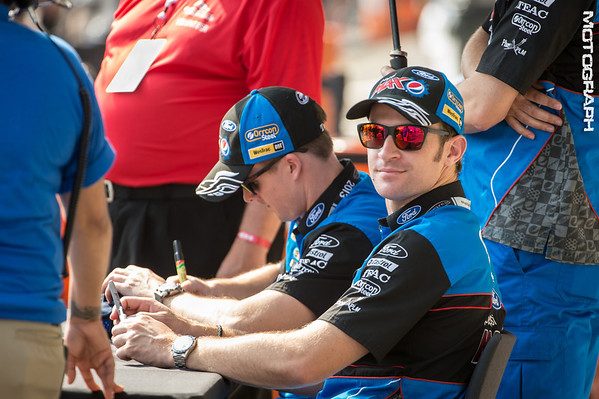 Team Pepsi Max Will Davison and Mark Winterbottom at pre-race autograph session.