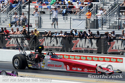 Arthur Gallant races his top alcohol dragster during the VisitMyrtleBeach.com NHRA Four-Wide Nationals Finals at zMax Dragway, Concord, NC.
