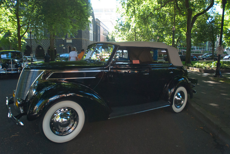 July 9, 2011 - American Vintage (all photos by Deby)<br /> 1934 Ford 4-door convertible