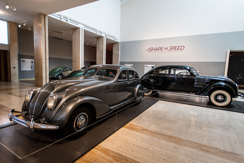1934 Bendix SWC Prototype Sedan & 1934 Chrysler Imperial Model CV Airflow Coupe (black)