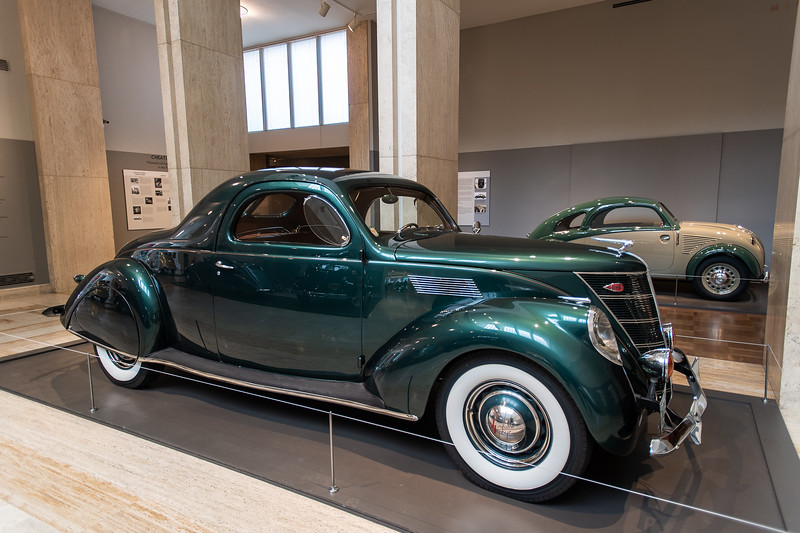 1937 Lincoln -Zephyr Coupe