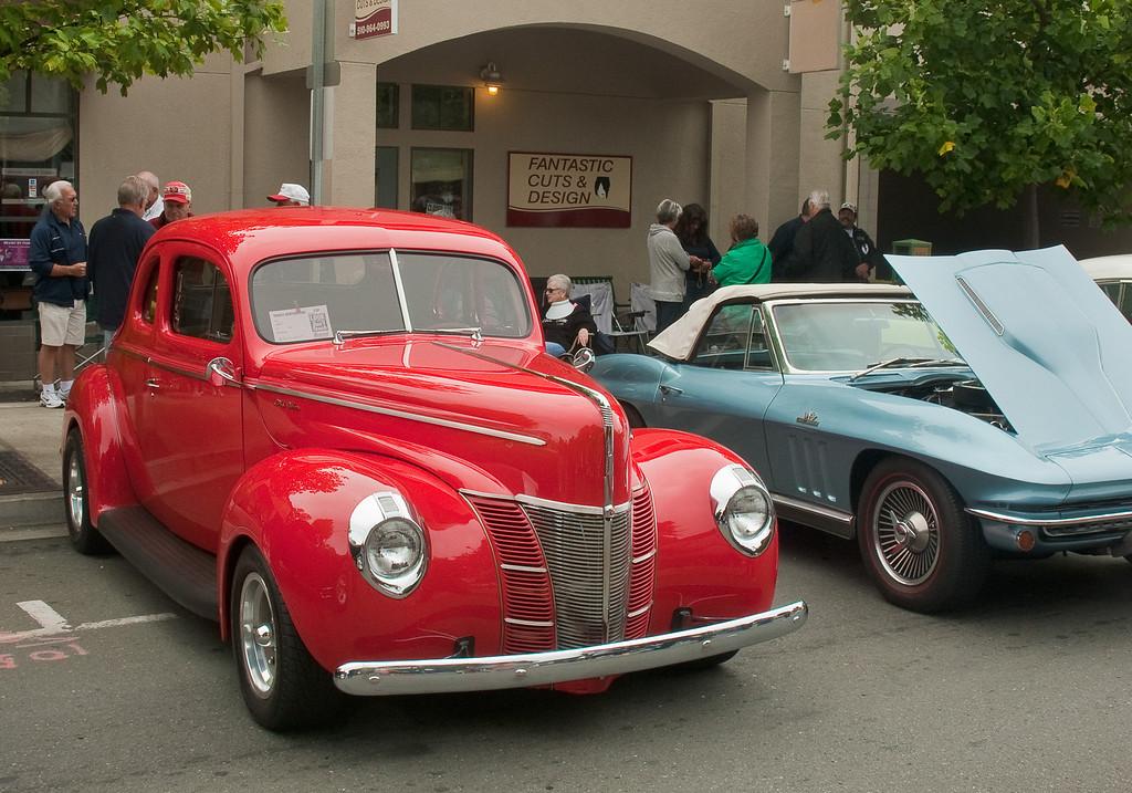 1940 Ford coupe, 1966 Corvette